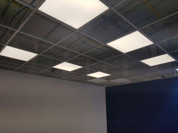 Bureaux : Pose de dalle lumineuse LED pour les bureaux ...