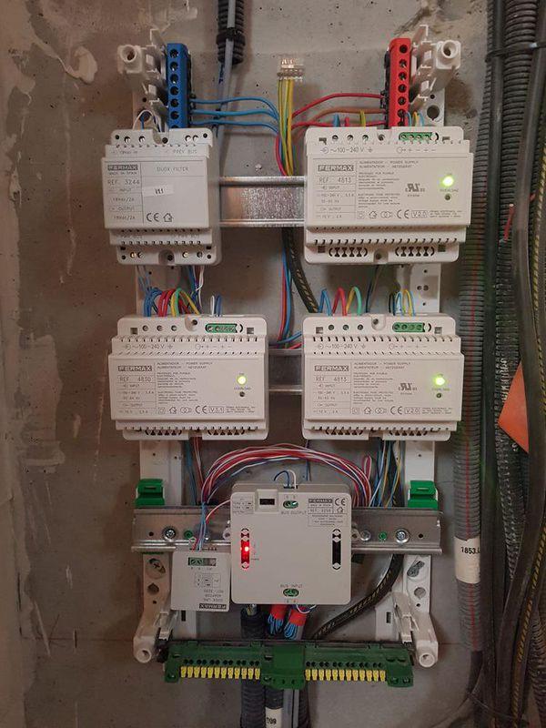 Tableau électrique pour système interphonie en Isère